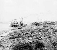 Howard Shipyard, 1898. :: Howard Steamboat Museum Collection  Georgia Lee being built