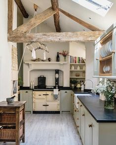 A Country House in Norfolk Designed by Veere Grenney Happy Sunday . This charming country kitchen in a beautiful market town in the Cotswolds was designed by The post A Country House in Norfolk Designed by Veere Grenney appeared first on Architecture Diy. Rustic Kitchen, New Kitchen, Kitchen Decor, Country Cottage Kitchens, Green Country Kitchen, Rustic Cottage, Cotswold Cottage Interior, Country Sink, Modern Cottage Style