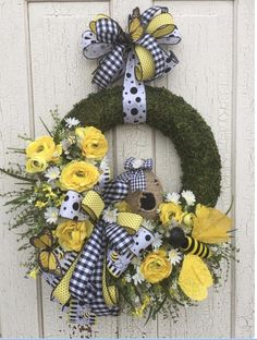 Summer wreath for front door bee wreath summer bee wreath spring bee wreath summer wreath spring wreath bee hive bee Moss Wreath, Diy Wreath, Wreath Ideas, Wreath Making, Wreath Crafts, Grapevine Wreath, Spring Front Door Wreaths, Spring Wreaths, Spring Door