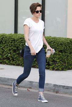 Kristen Stewart in jeans and a tee