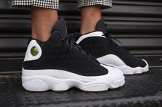 Air Jordan 13 GS Black Metallic Gold Gum (City Of Flight) Landing Tomorrow Nike Basketball Shoes, Running Shoes Nike, Sports Shoes, Nike Shoes, Men's Shoes, Jordan 13, Jordan Shoes, Air Max Sneakers, Sneakers Nike