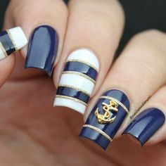 WEBSTA @ nailsandtowel - Nautical Nails ⚓️And here is the ig version tutorial.. Glad to have the 1 min video or else this wouldn't fit in a 15 sec video..Although this one last…