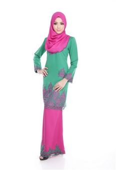 Maribeli Butik Jasmine Kurung -Green from Maribeli Butik in Pink and Green Jasmine Modern Kurung is the latest collections from MARIBELI BUTIK made of a very high quality, comfortable to wear, and very nice cotton material.- Perfect tailor made.- High quality cotton- Latest design- Suitable for all oc... #bajukurung #bajukurungmoden