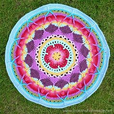 This pattern is for the large version of Sophie's Mandala. You can find a written-only pattern, as well as a step-by-step photo tutorial, on my website.