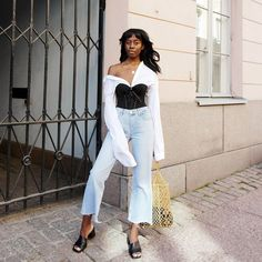 Here's an outfit I wore last weekend. A white shirt and blue jeans look with a twist. Layering Outfits, Edgy Outfits, Cute Outfits, Fashion Outfits, Womens Fashion, Looks Style, Looks Cool, Outfit Vintage, Corset Outfit