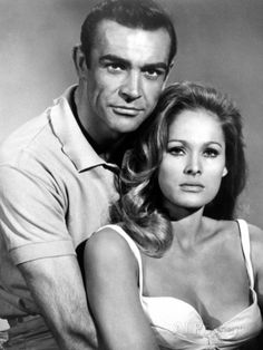 Dr. No, From Left: Sean Connery, Ursula Andress, 1962 Foto - bei AllPosters.ch