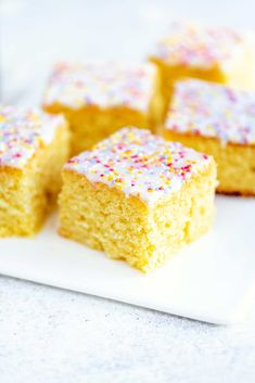 This old fashioned school cake topped with a simple glaze and sprinkles is just the simple retro bake we all need right now! Easy to make all in one bowl and delicious served plain or with warm vanilla custard. Tray Bake Recipes, Baking Recipes, Biscoff Recipes, Bar Recipes, Baking Ideas, Delicious Recipes, School Dinner Recipes, Easy Biscuit Recipe, Cake Stall