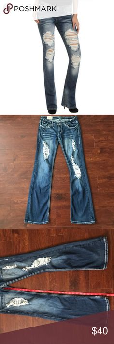 Cambridge Destroyed Bootcut Jeans still in good condition. Please look at measurements before purchasing. It has Size 32, fit seems smaller. Cambridge Jeans Boot Cut