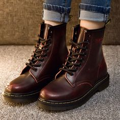 British High Quality Leather Lovers Martin by CathY TY Botas Grunge, Dr. Martens, Leather Ankle Boots, Combat Boots, Sock Shoes, Shoe Boots, Doc Martins Boots, Looks Jeans, Motorcycle Boots