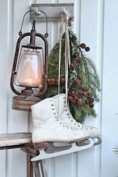 winter decor The Yellow Brick Home - Simple After Christmas Decorating Ideas The Yellow Brick Home Christmas Porch, Natural Christmas, After Christmas, Noel Christmas, Primitive Christmas, Scandinavian Christmas, Country Christmas, Outdoor Christmas, Simple Christmas