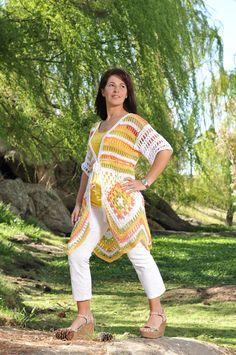Saco tejido a crochet que termina en forma de picos, creado por Silvana gloria tejidos