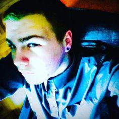 #selfie #carloss #blogger #developer  https://www.facebook.com/photo.php?fbid=1744564155755106&set=a.1584175781793945.1073741832.100006046159406&type=3&theater