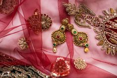 Bride jewelry. http://www.maharaniweddings.com/gallery/photo/95820