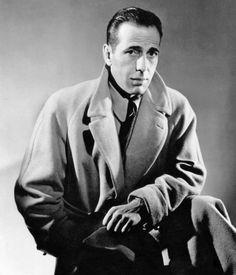 Humphrey Bogart (1940). ¿Cuándo será el día en que las empresas comprendan que la marca y su imagen —o personalidad— se da como resultado de lo qué se es, de lo qué se hace y en contraposición bastante más allá, del mero decir qué se es y qué se hace.