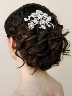 http://blog.haircomesthebride.com/wp-content/uploads/2014/10/Yasmine-rhinestone-flower-bridal-hair-comb-MV.jpg