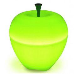 Design met een knipoog, dat is waar het merk Qualy voor staat! En dat hebben zij met het uitbrengen van deze prachtige appel lamp, ook zéker weer naar buiten weten te brengen! De Qualy H'apple lamp geeft een zachte groene sfeerverlichting.