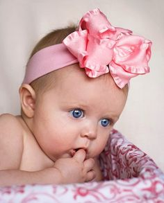 PinkBowtique : Baby Headbands, Infant Hair Bows, Girls Hair Bows for your Little Girl! For the Granddaughters! English Baby Girl Names, English Girls, Names Baby, Boy Names, Precious Children, Beautiful Children, Beautiful Babies, Beautiful Eyes, Little Babies