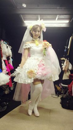 Love-Live-Voice-Actresses-Dress-up-as-Actual-Idols-during-the-5th-Anniversary-Concert-haruhichan.com-Riho-Iida-Hoshizora-Rin