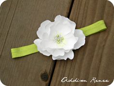 Baby headband  @Emily Wright Can you make Carley one like this? A white band like the one for her blessing though?