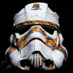 Véritable oeuvre d'art, must have pour les sneakers addicts Le projet Star Wars Remix lancé par Noah Scalin a pour but de confectionner des objets issus de
