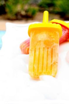 Homemade Hack... Make Sparkling Fruit Popsicles, Clementine and Fruit Cocktail flavors in Seconds with this simple cheat! They are SO MUCH better than store bought!