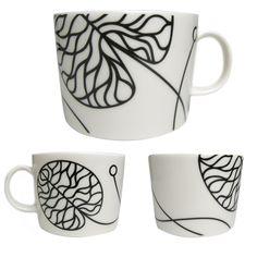 Mugs to match the sofa Scandinavian Home, Marimekko, Earthenware, Decoration, Surface Design, Interior And Exterior, Dinnerware, Objects, Carving