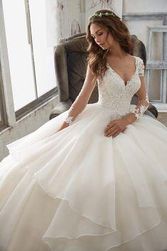 Morilee Wedding Dress Trouwjurk Bruidsjurk Wedding Bruiloft Bruid Vintage Romantisch Open Rug  Prinsessen Lace Bride Ballgown Sleeves Mouwen Mouwtjes Pink Blush V-Hals