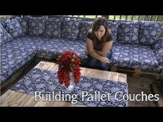 How to Establish Pallet Couches - http://www.freecycleusa.com/how-to-establish-pallet-couches/