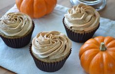 Building Buttercream: Pumpkin Spice Latte Cupcakes