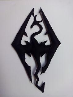 Logo videojuego Skirym fieltro