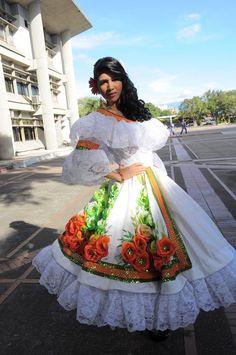 Traje fantasía joropo venezolano Quinceanera Dresses, Hawaiian Party Cake, Colombian People, Mens Bodysuit, Dress Skirt, Dress Up, Dress Outfits, Fashion Dresses, Costumes Around The World