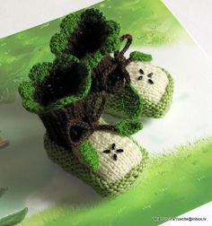 Baby Booties Green Apple / 03M by MiaPiccina on Etsy, Totally cute!