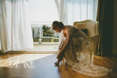 Bride getting ready. Rebecca Roundhill Photography.