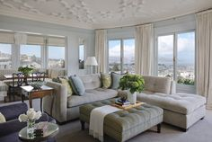 House of Turquoise: Kendall Wilkinson + Sutro Architects~ LOVE this living room! House Of Turquoise, Turquoise Kitchen, Home Living Room, Living Room Designs, Living Spaces, Condo Living, Traditional Family Rooms, Traditional Chairs, Modern Traditional