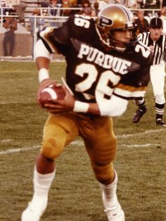 Leroy Keyes and Rod Woodson headline this edition of Purdue Football Who Wore it Best. Football Sites, College Football Players, Football Cheerleaders, Football Hall Of Fame, Football Photos, Football Match, National Football League, Football Helmets, Rod Woodson