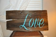 A Pallet Wood Sign Roundup