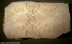 Museo de Glendalough Piedra rúnica Glendalough Museum in the Republic of Ireland Runic stone