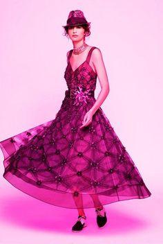 http://www.maxima.pt/moda/especiais/detalhe/chanel_cruzeiro_2017__lookbook.html?utm_campaign=Newsletter