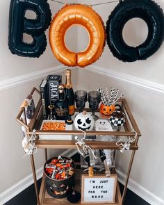 Oct 30 These spooky yet chic bar cart decorating ideas are perfect for Halloween. Soirée Halloween, Halloween Inspo, Harry Potter Halloween, Halloween Home Decor, Halloween Food For Party, Halloween Birthday, Holidays Halloween, Halloween Decorations Apartment, Rustic Halloween
