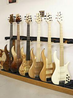 Acoustic Bass Guitar, Bass Guitars, Fender Jazz Bass, Types Of Guitar, Beautiful Guitars, Close Friends, Guitar Design, Cool Guitar, Sweet Sweet