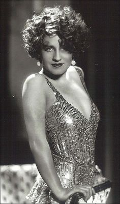 Pre-Code Norma Shearer; she did sexy & sophisticated (and both together!) equally well