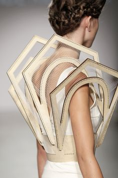 Architectural Fashion Design with 3D panels & intricate structure; innovative fashion // Winde Rienstra