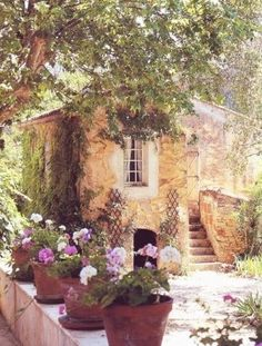 Stone cottage in Provence. Stone Cottages, Cabins And Cottages, Stone Houses, Cute Cottage, French Cottage, Cottage Style, Romantic Cottage, Italian Cottage, Italian Villa