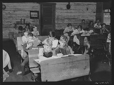 Overcrowded conditions in a rural school near Morehead, Kentucky Marion Post Wolcott August 1940 Old School House, School Days, Country School, My Old Kentucky Home, Asian History, Cinema, Vintage School, School Pictures, Historical Pictures