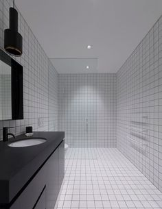 47 modern bathroom design ideas plus tips on how to accessorize yours 41 – JANDAJOSS. Australian Interior Design, Interior Design Awards, Bathroom Interior Design, Modern Contemporary Bathrooms, Modern Bathroom Tile, Ideal Bathrooms, Beautiful Bathrooms, Simple Bathroom Designs, Bathroom Ideas