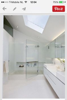 Zolder on pinterest attic closet small bathrooms and toilets - Badkamer zolder ...