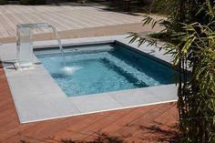 Small pool in the garden - pool for small plots - Kleiner Pool - Backyard Pool Designs, Small Backyard Pools, Small Pools, Swimming Pool Designs, Small Patio, Pool Landscaping, Landscaping Design, Luxury Swimming Pools, Natural Swimming Pools