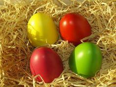 Verschenken Sie zu Ostern nur das Gelbe vom Ei! Die Tischuhr ist das perfekte Geschenk zu Ostern für Ihre Kunden oder Mitarbeiter.