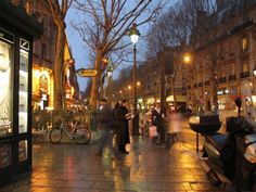 Boulevard Saint-Michel (Paris)  New York New York was playing with French subtitles