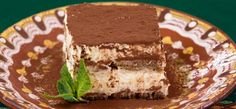 Looking for a way to enjoy a classic dessert on your keto diet? Well, then this keto friendly tiramisu cake is a must try. No need to feel deprived while on a keto diet with a delicious recipe like this. Like most recipes I convert to be low carb keto Bolo Tiramisu, Tiramisu Dessert, Keto Cake, Keto Foods, Gourmet Foods, Keto Holiday, Holiday Recipes, Winter Recipes, Food Cakes